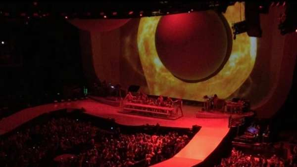 The O2 Arena, secção: 416, fila: B, lugar: 17