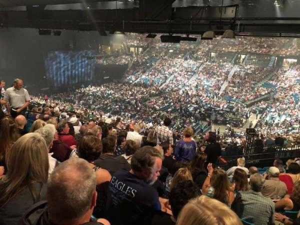 MGM Grand Garden Arena, secção: 209, fila: L, lugar: 3