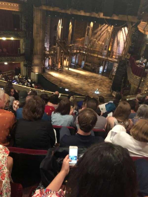 CIBC Theatre, secção: Mezzanine R, fila: G, lugar: 16