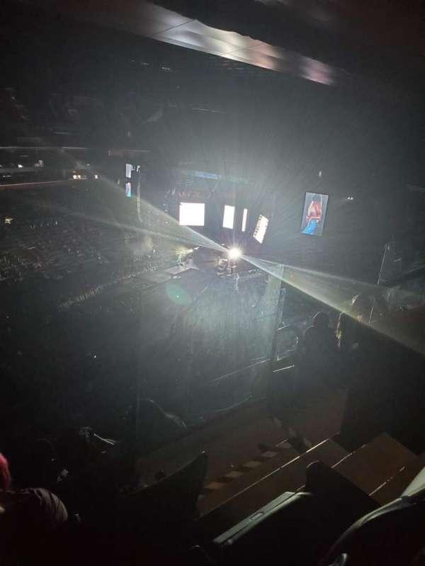 Little Caesars Arena, secção: 215, fila: 5, lugar: 3