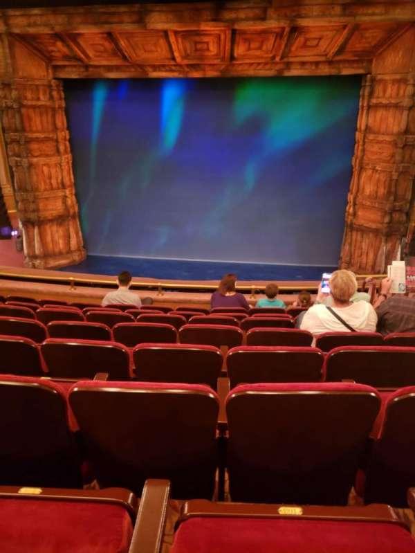 St. James Theatre, secção: Mezzanine C, fila: H, lugar: 101