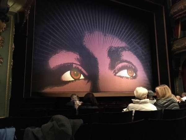 Aldwych Theatre, secção: Stalls, fila: G, lugar: 23