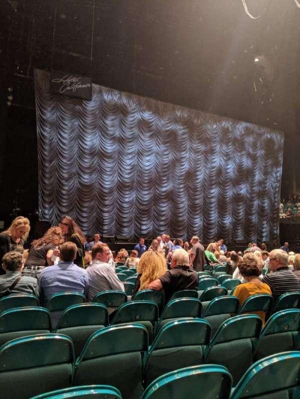 MGM Grand Garden Arena, secção: FLoor C, fila: R, lugar: 10