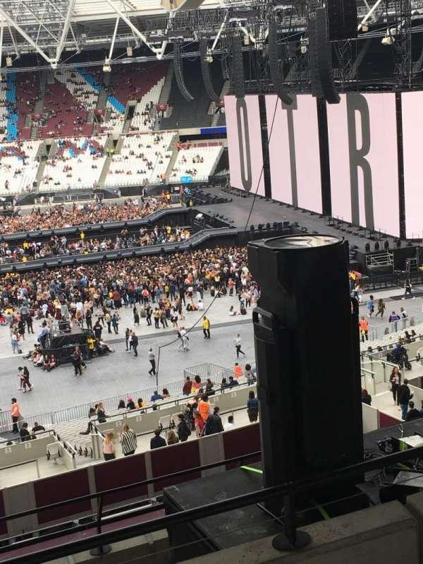 London Stadium, secção: M14