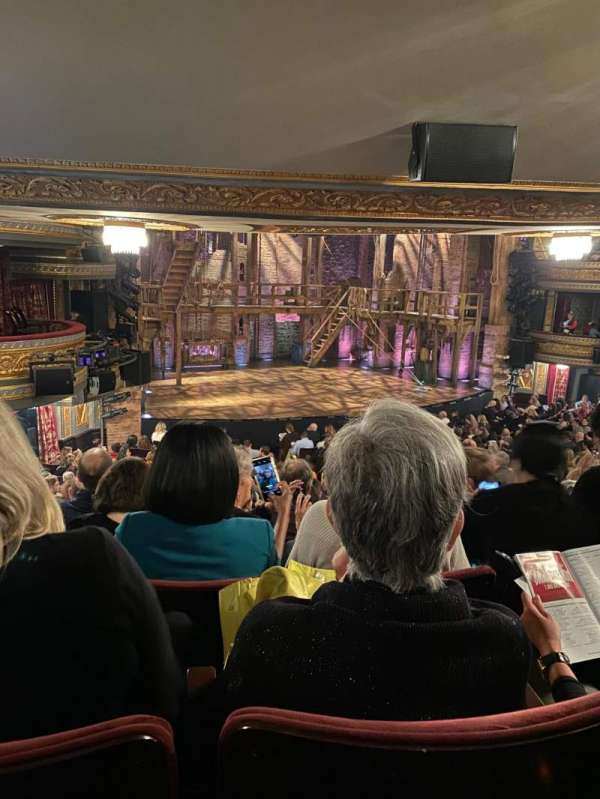 Richard Rodgers Theatre, secção: Orchestra L, fila: T, lugar: 25