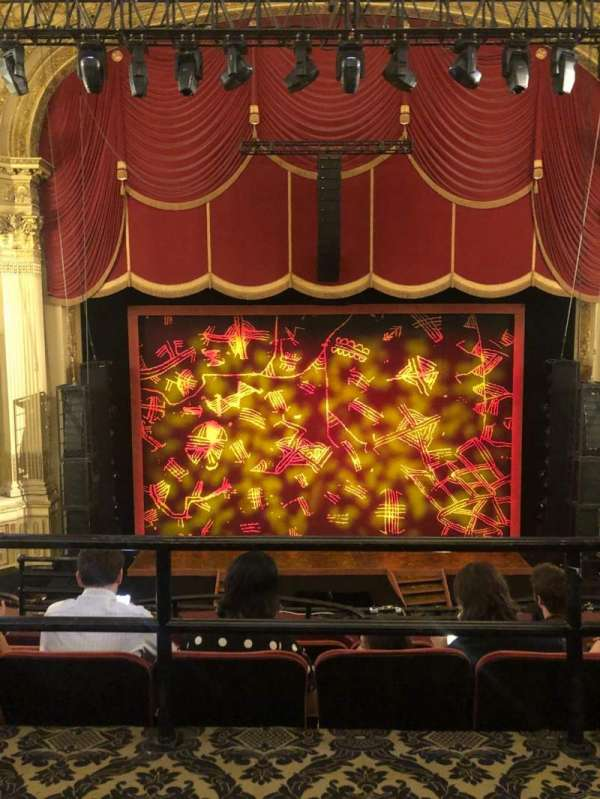 Citizens Bank Opera House, secção: Mezzanine LC, fila: A, lugar: 101