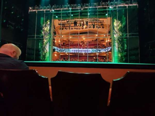 John Golden Theatre, secção: Orchestra C, fila: B, lugar: 109