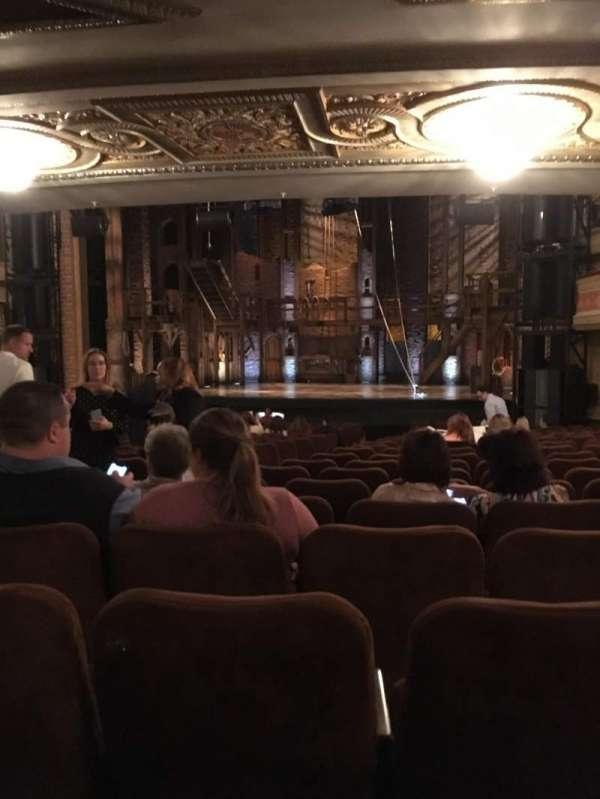 Forrest Theatre, secção: Orchestra D, fila: W, lugar: 8