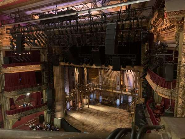 CIBC Theatre, secção: Right balcony, fila: A, lugar: 12