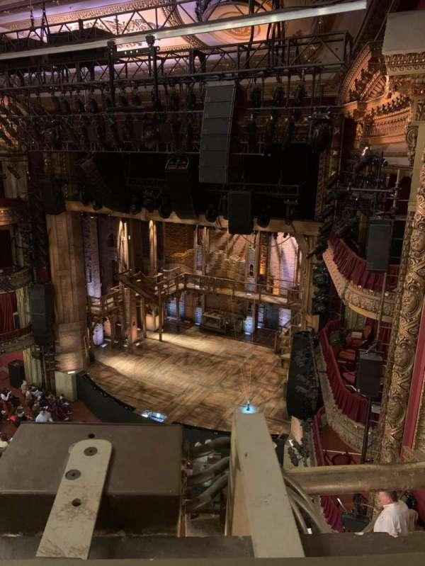CIBC Theatre, secção: Balcony R, fila: A, lugar: 12