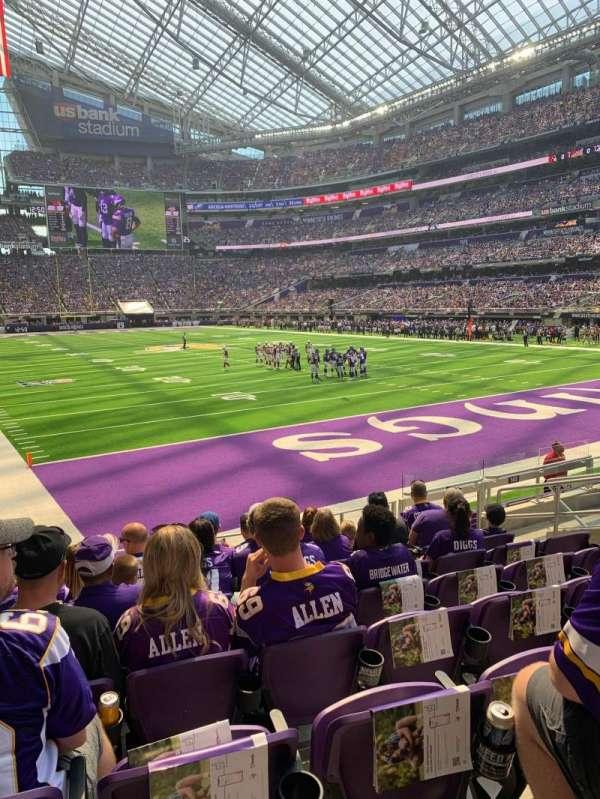 U.S. Bank Stadium, secção: 143, fila: 9, lugar: 9