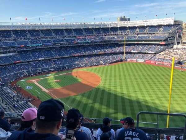 Yankee Stadium, secção: 409, fila: 6, lugar: 2