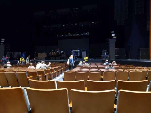 Meridian Hall, secção: Orchestra 8, fila: D, lugar: 63