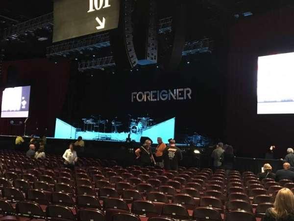 Hard Rock Live at Etess Arena, secção: 101, fila: 17