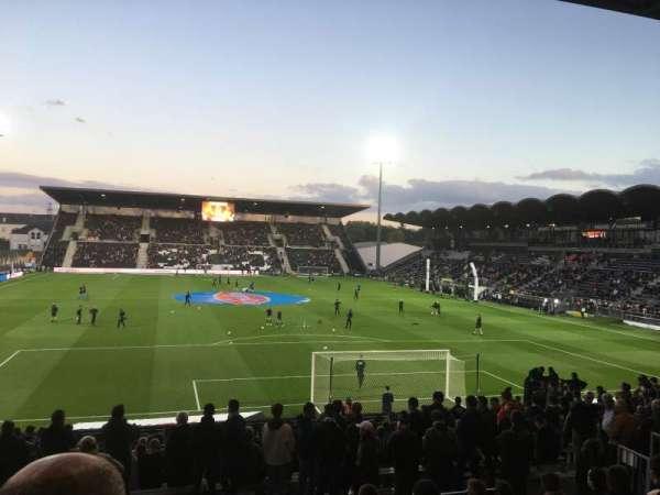 Stade Raymond Kopa, secção: Coubertin E, fila: U, lugar: 124
