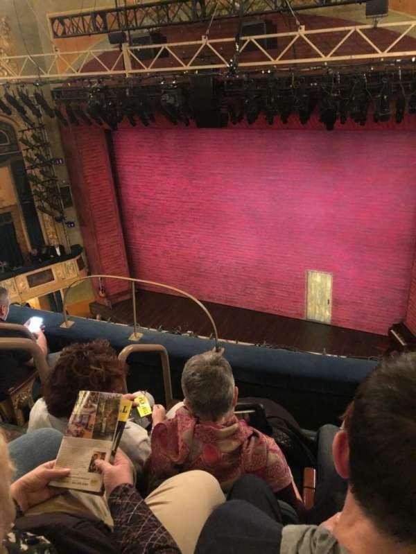 Shubert Theatre, secção: Balcony R, fila: D, lugar: 8