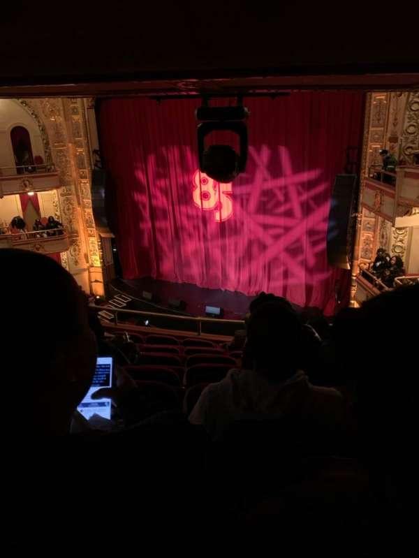 Apollo Theatre, secção: RLWMZ, fila: H, lugar: 15-17