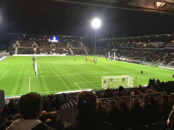 Stade Raymond Kopa, secção: Coubertin E, fila: AA, lugar: 137