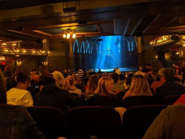 Lyric Theatre, secção: orchestra R, fila: Y, lugar: 24