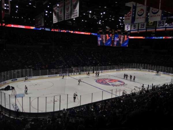 Nassau Veterans Memorial Coliseum, secção: 209, fila: 2, lugar: 3