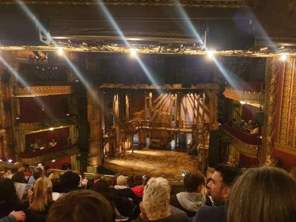 CIBC Theatre, secção: Mezzanine R, fila: J, lugar: 4