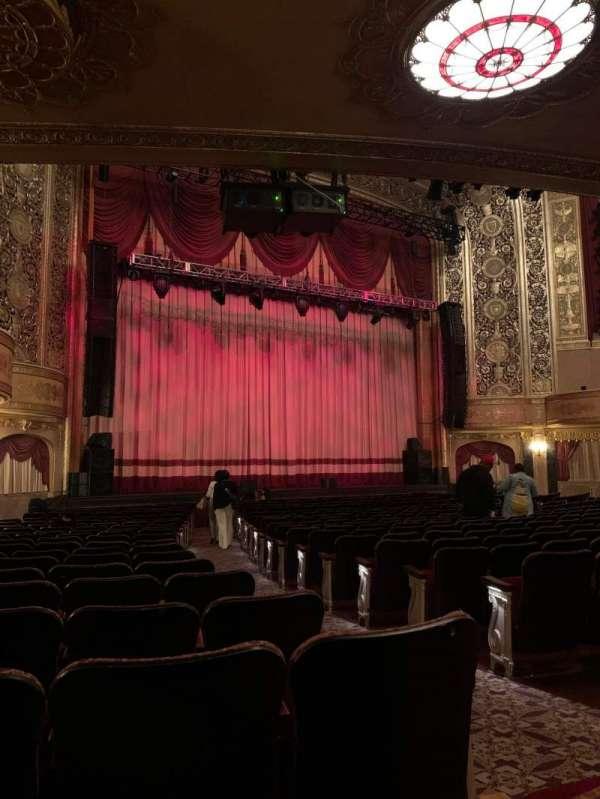 Warner Theatre (Washington, D.C.), secção: Orchestra left, fila: S, lugar: 5-7