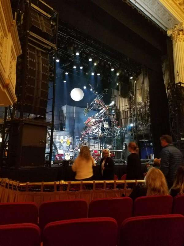 Shubert Theatre (Boston), secção: Orchestra Left, fila: D, lugar: 11