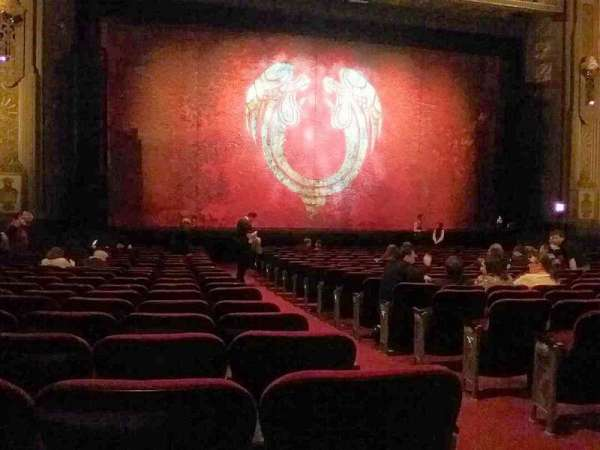 Hollywood Pantages Theatre, secção: Orchestra LC, fila: V, lugar: 302