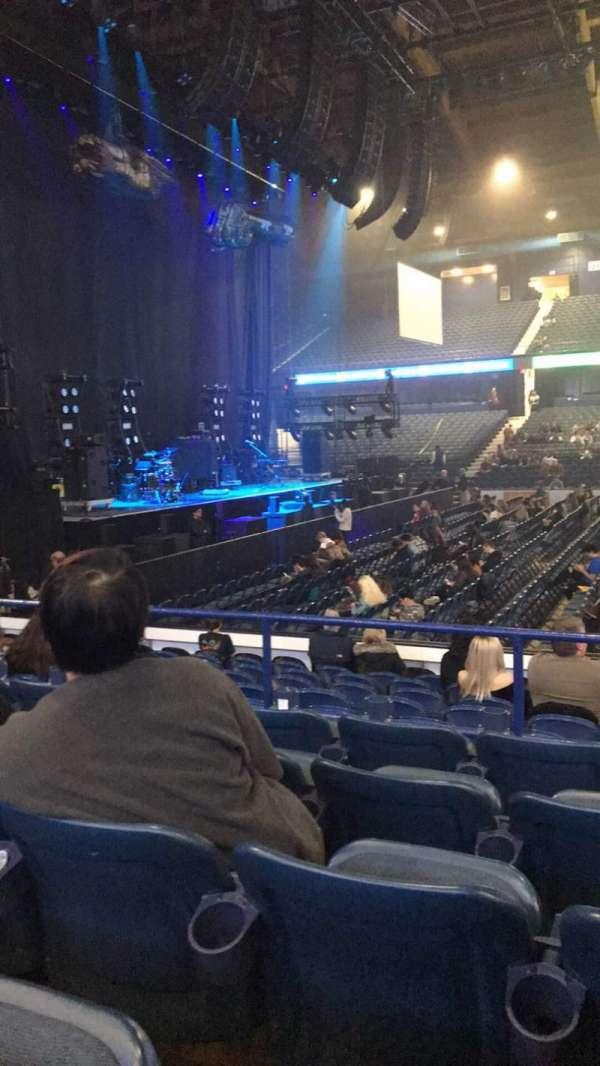 Allstate Arena, secção: 103