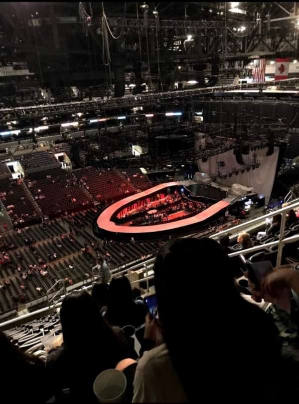 Staples Center, secção: 303, fila: 13, lugar: 5,6