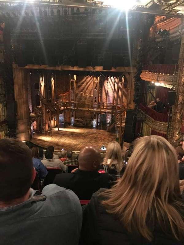 CIBC Theatre, secção: Balcony R, fila: H, lugar: 4