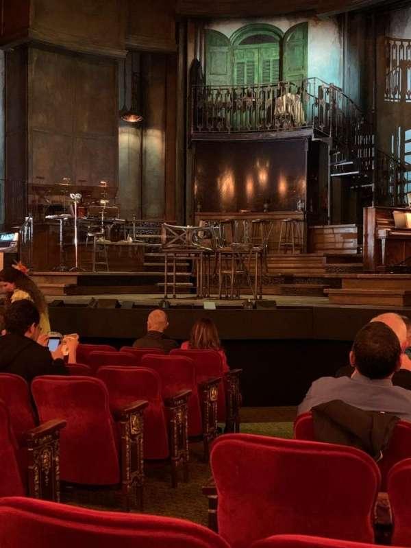 Walter Kerr Theatre, secção: Orchestra R, fila: L, lugar: 6