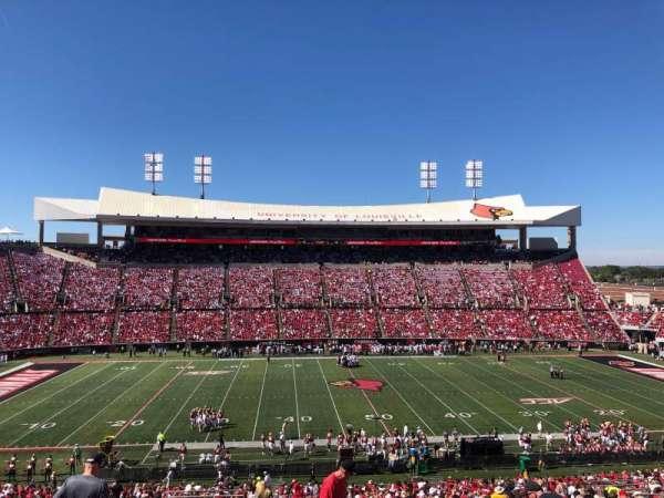 Cardinal Stadium, secção: 207, fila: DD, lugar: 20