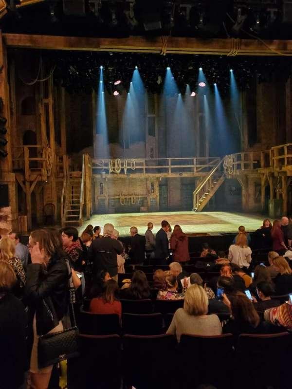 Richard Rodgers Theatre, secção: Orchestra C, fila: M, lugar: 112-113