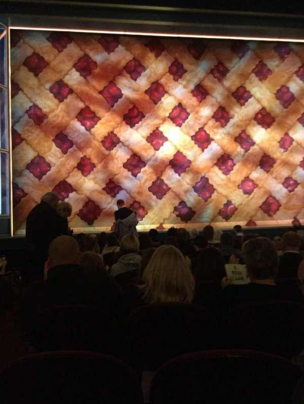 Brooks Atkinson Theatre, secção: Orchestra C, fila: J, lugar: 101