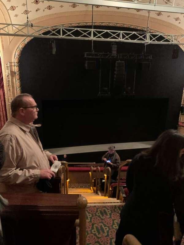 Bernard B. Jacobs Theatre, secção: Mezzanine L, fila: F, lugar: 1
