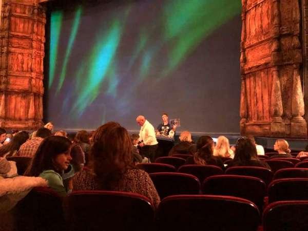 St. James Theatre, secção: Orchestra R, fila: J, lugar: 8
