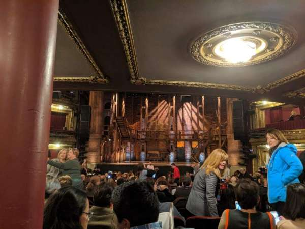 CIBC Theatre, secção: Orchestra C, fila: X, lugar: 117