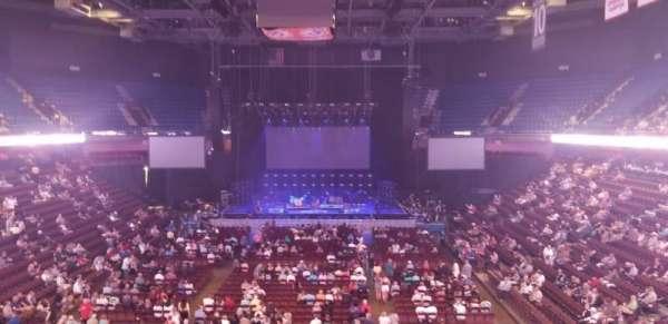 Mohegan Sun Arena , secção: 112, fila: A, lugar: 7
