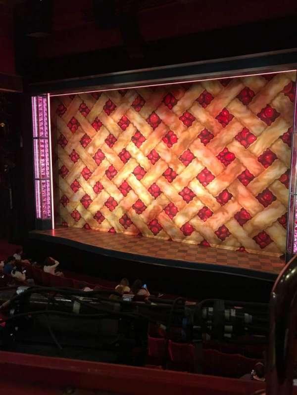 Adelphi Theatre, secção: Dress Circle, fila: A, lugar: 8