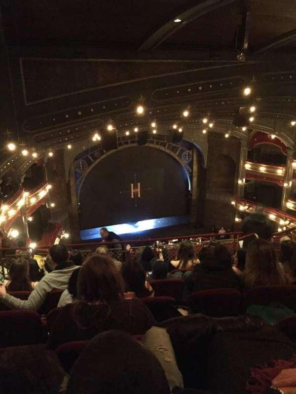 Lyric Theatre, secção: Balcony L, fila: H, lugar: 11