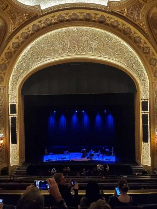 Paramount Theatre (Seattle), secção: 13, fila: E, lugar: 9