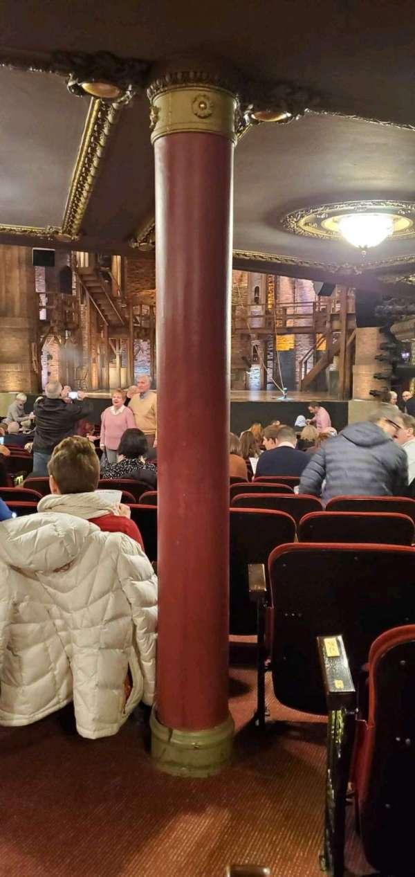 CIBC Theatre, secção: Orchestra R, fila: X, lugar: 4