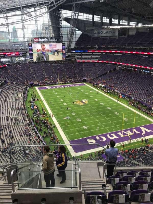 U.S. Bank Stadium, secção: 330, fila: 8, lugar: 15