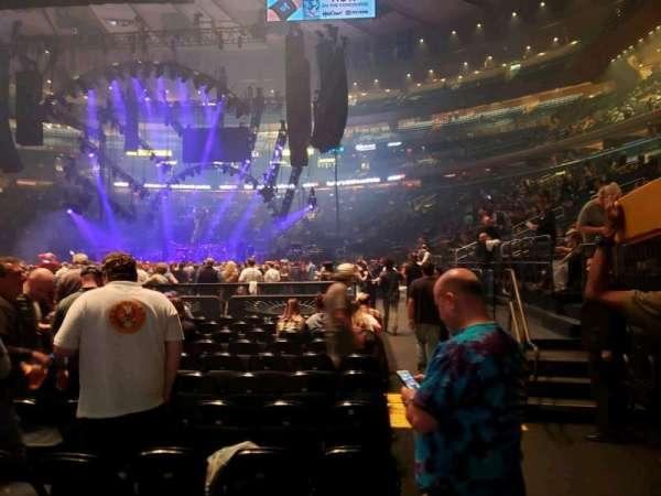 Madison Square Garden, secção: Floor F, fila: 12, lugar: 17