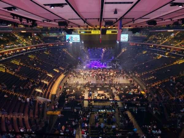 Madison Square Garden, secção: 301, fila: 1, lugar: 3