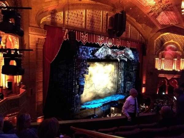 Fox Theatre (Atlanta), secção: Loge Left F, fila: EE, lugar: 41, 43