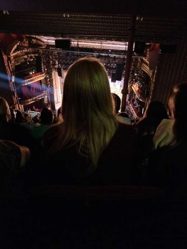 CIBC Theatre, secção: Balcony R, fila: Q, lugar: 422