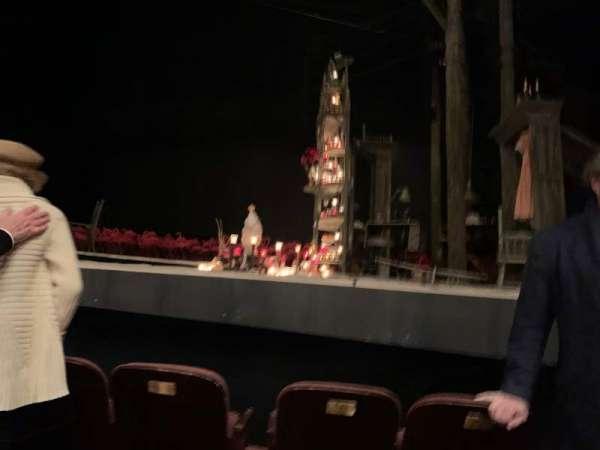 American Airlines Theatre, secção: Orchestra center, fila: B, lugar: 102