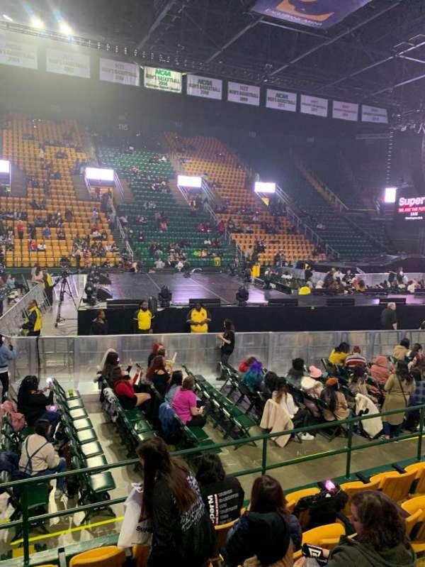 EagleBank Arena, secção: 102, fila: EE, lugar: 14